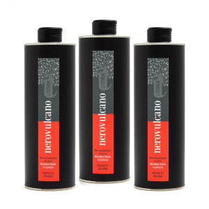3-bottiglie-NeroVulcano-TuttoTonda